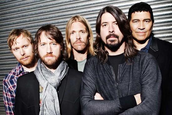 Andrew Goldin, un fan des Foo Fighters, a lancé une campagne de crowdfunding pour faire venir jouer le groupe dans sa ville à Richmond en Virginie