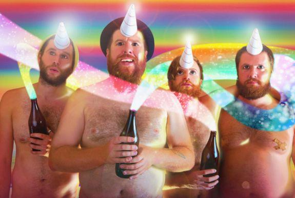 Le groupe de rockeurs Australiens Totally Unicorn demande 14$ pour s'acheter une caisse de son propre vin