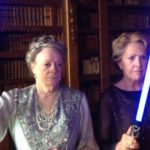[INSOLITE] Downtown Abbey sort les sabres lasers