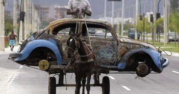 Insolite-charette-voiture