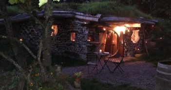 Village Fantastique de la Pierre Ronde hobbit
