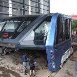 Le bus qui enjambe les voitures : de l'utopie collective à l'arnaque en crowdfunding
